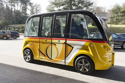 Self-Driving Shuttles Try Virus-Killing UV Rays to Assure Riders